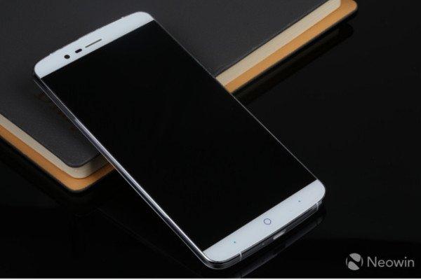 Elephone P8000: 5,5 Zoll Smartphone mit Akkukapazität von 4.200 mAh vorgestellt 5