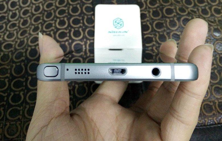 Samsung Galaxy Note 5 mit 4 GB RAM und 5,6 Zoll Display 7