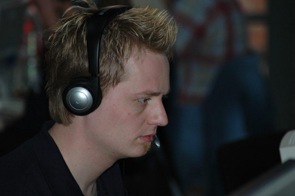 Entwickler portiert Counter Strike 1.6 auf Android 3