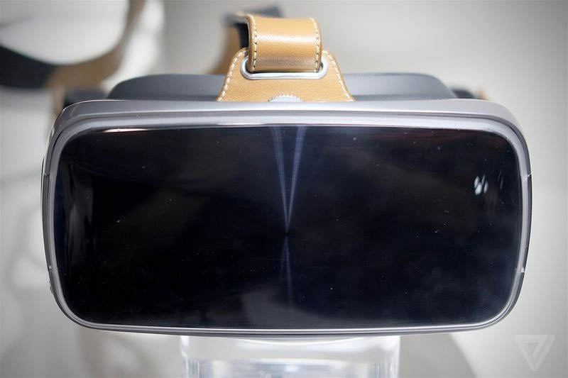 ASUS Virtual-Reality Brille mit Metallrand und Leder vorgestellt 4