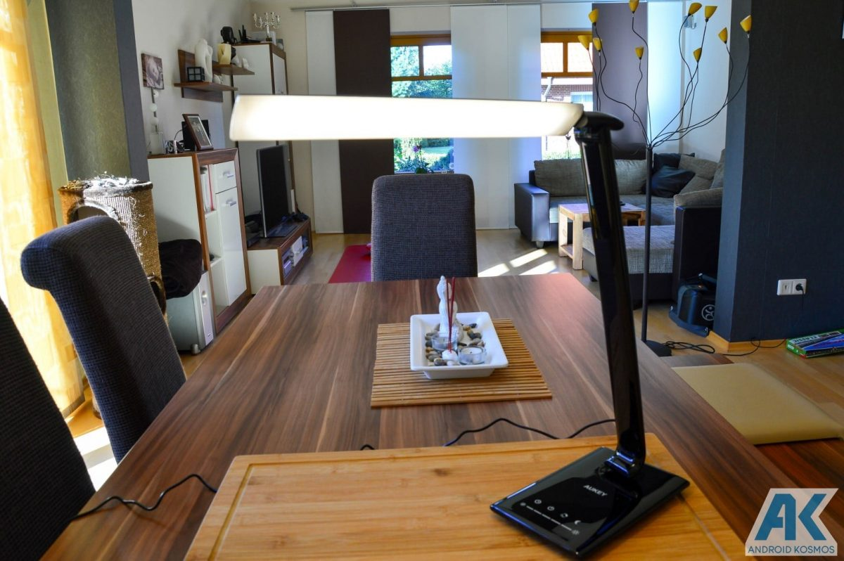 Test / Review: Aukey Desktop LED-Lampe und USB-Hub 8
