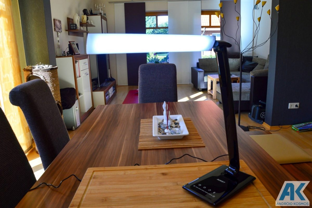 Test / Review: Aukey Desktop LED-Lampe und USB-Hub 6