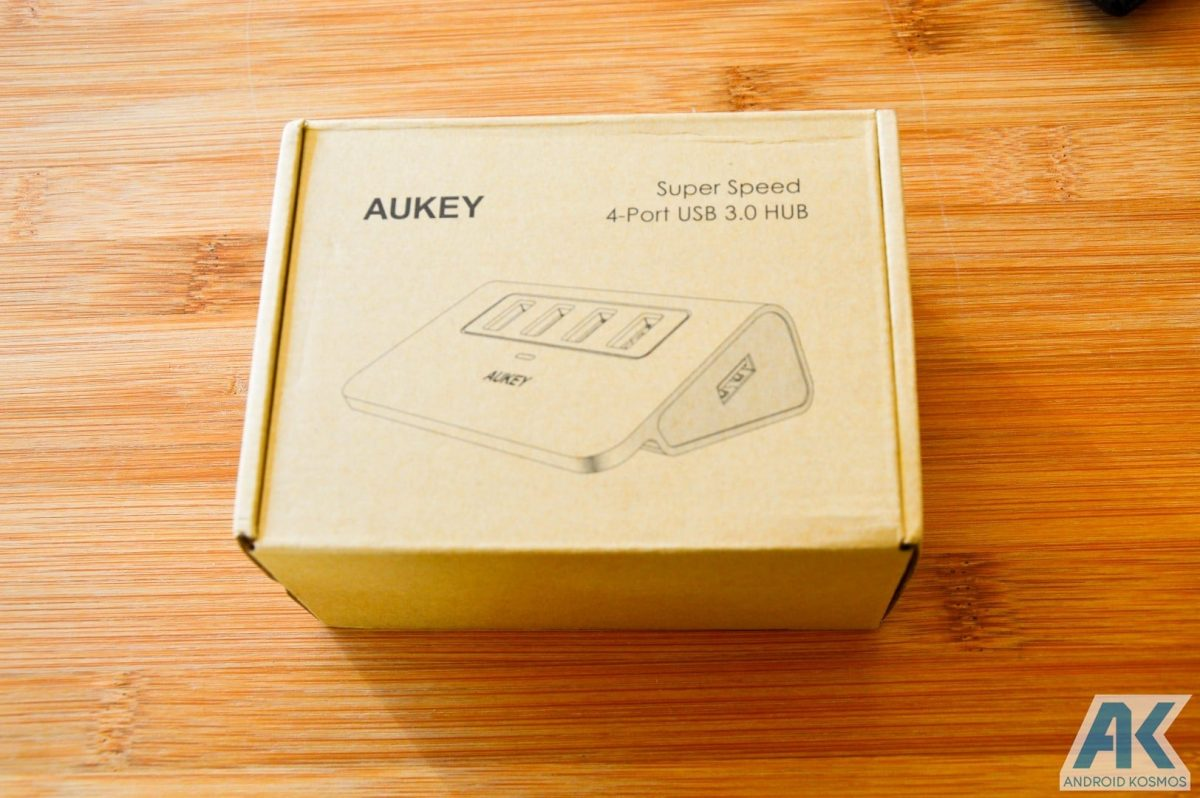 Test / Review: Aukey Desktop LED-Lampe und USB-Hub 16