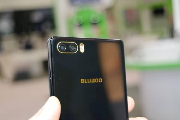 Kampf der Mi MIX Klone: Randlose Smartphones von Blueboo und Doogee 4