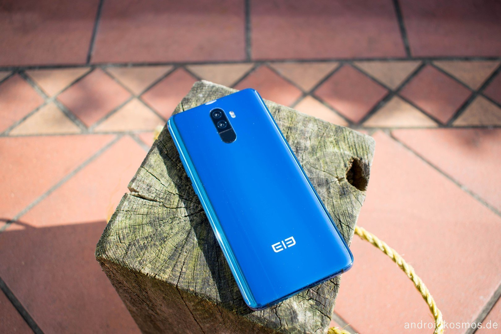 AndroidKosmos Elephone U Pro 2353